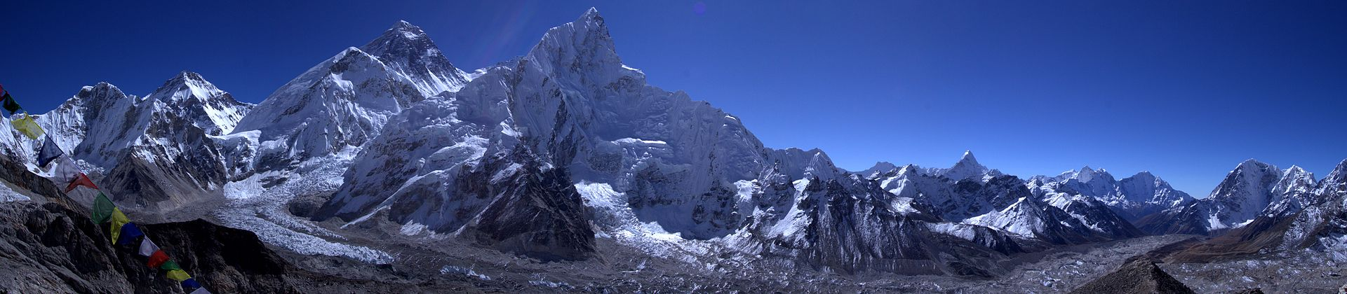 Everest_panorama_from_Kala_Patthar